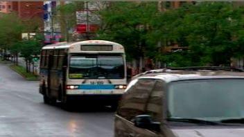 Un autobus de la société de transport de Montréal