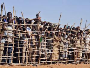 Camp de réfugiés près de Goz Beida, dans le sud du Tchad, en mars 2010.