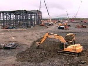 Travaux de construction d'une mine d'or à ciel ouvert en Abitibi (archives)