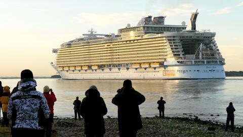 Départ de Finlande du bateau Oasis of the Seas, le 30 octobre 2009.