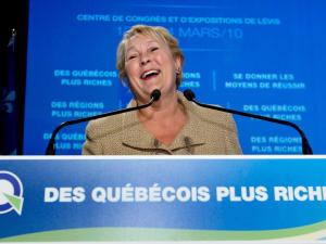 La chef péquiste Pauline Marois au colloque du parti sur l'économie, à Lévis.