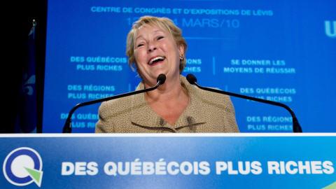 La chef péquiste Pauline Marois au colloque du parti sur l'économie, samedi.