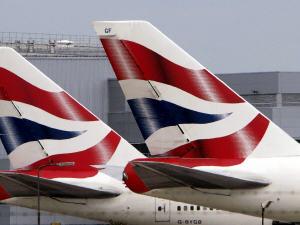 Des avions de la British Airways à l'aéroport Heathrow, le 17 juin 2009.
