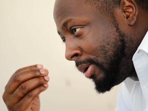 Wyclef Jean, en entrevue avec un journaliste à Port-au-Prince, la veille de l'annonce du rejet de sa candidature