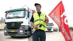 Un camionneur français manifeste contre la réforme des retraites.