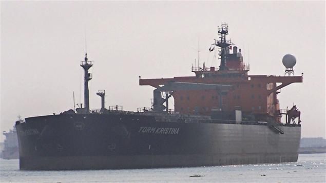 Un pétrolier dans le canal de Suez