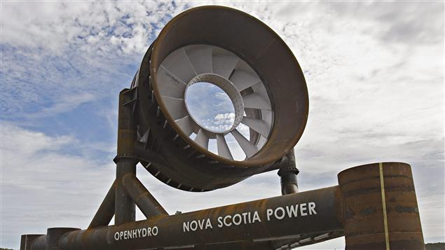 Une turbine de centrale marémotrice en Nouvelle-Écosse.
