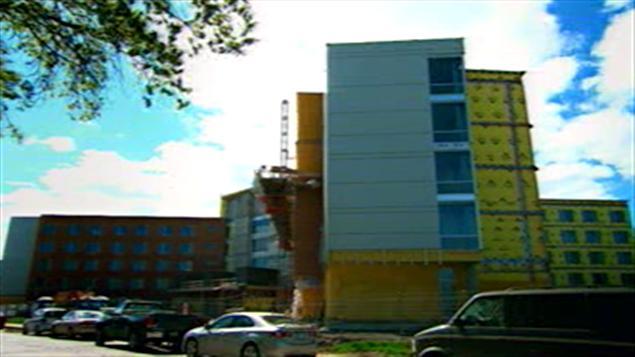 La construction du CHSLD de Saint-Lambert s'est effectuée en mode PPP.