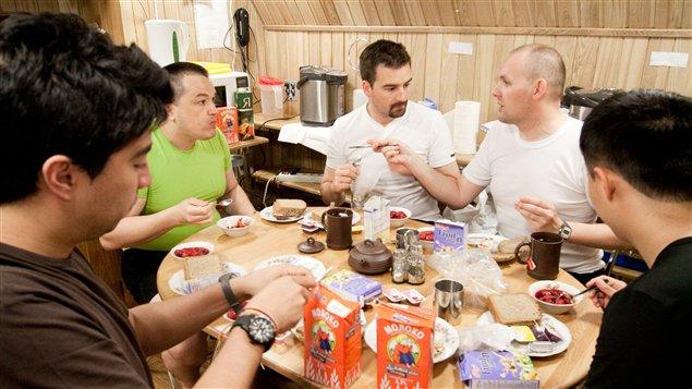 L'équipage à la table