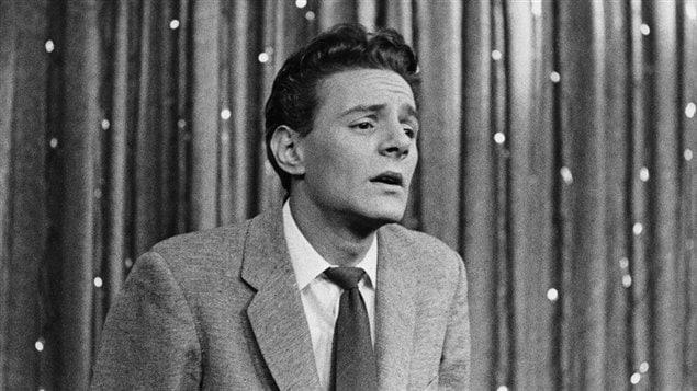 Claude Léveillée en 1957, à l'émission Music Hall