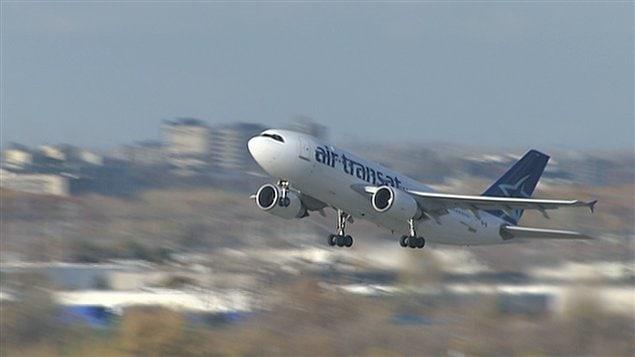 Air transat les employ s acceptent les compressions ici for Avion air transat interieur