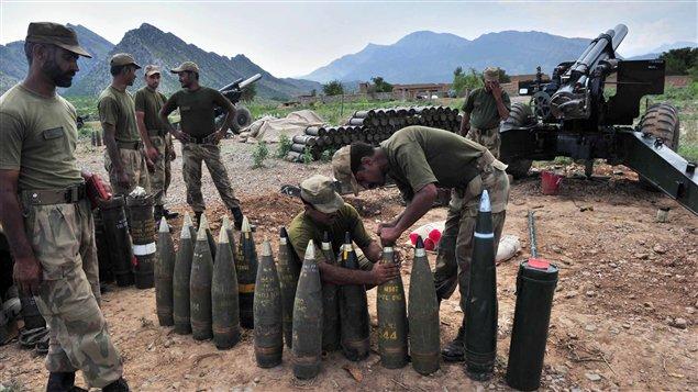 L'armée pakistanaise lors de son offensive actuelle dans les zones tribales du nord.