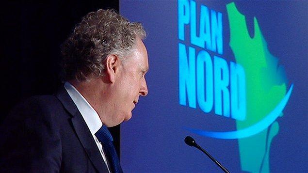 Jean Charest présentant son Plan Nord.