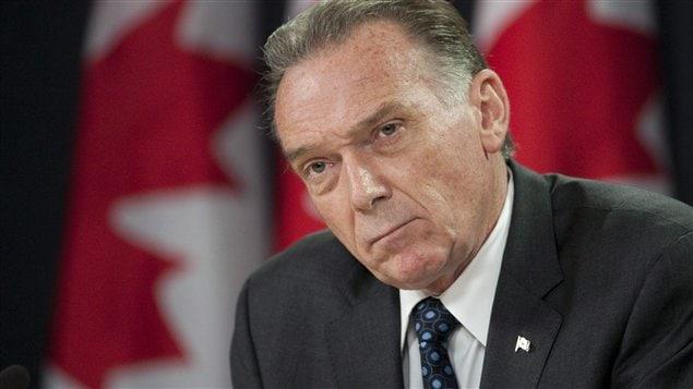 Le ministre de l'Environnement Peter Kent