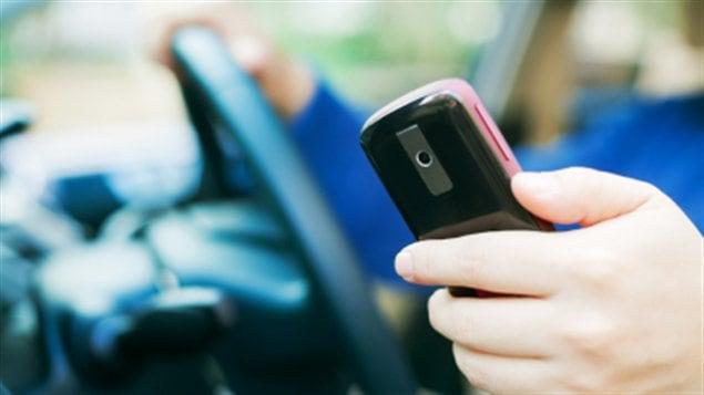 Cellulaire au volant