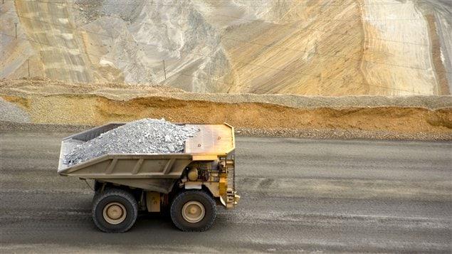 Camion dans une mine de cuivre.