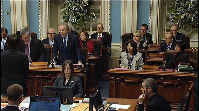 Les élus québécois ont voté à l'unanimité pour le transfert des données du registre des armes d'épaule qu'Ottawa est sur le point d'abolir.