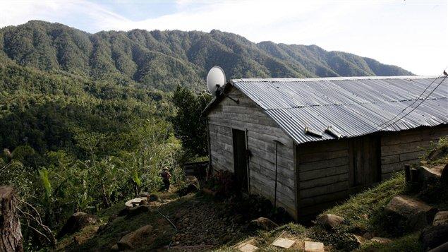 les cubains pourront acheter et vendre des maisons ici radio. Black Bedroom Furniture Sets. Home Design Ideas