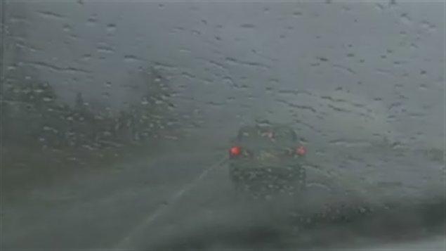 Pluies-route-voiture