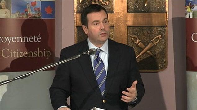 Le ministre de l'Immigration et la Citoyenneté, de l'Immigration et du Multiculturalisme, Jason Kenney