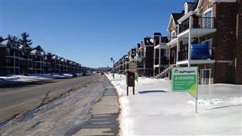 Boulevard des Pins à Sainte-Marthe-sur-le-Lac