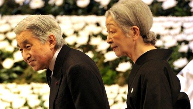 L'empereur Akihito et son épouse Michiko