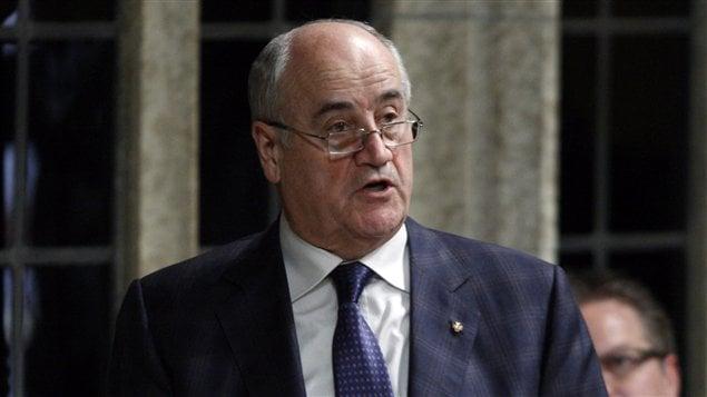 Le ministre associé de la Défense, Julian Fantino, en comité à la Chambre des communes, mardi.