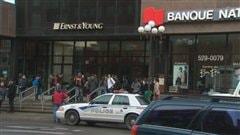 Les étudiants ciblent les institutions financières.