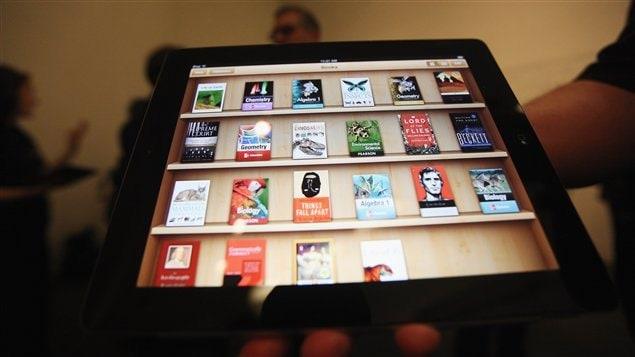 Le iPad permet de stocker une grande quantité de livres électroniques.