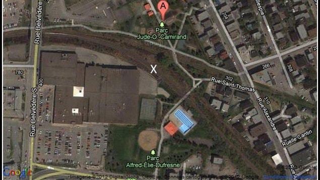 L'accident de train est survenu à l'endroit montré d'un X.
