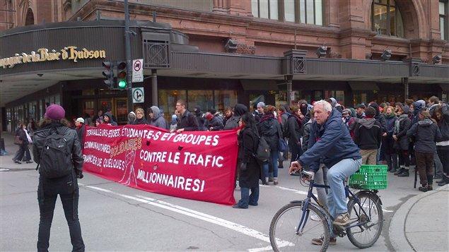 Une manifestation se prépare, square Philips