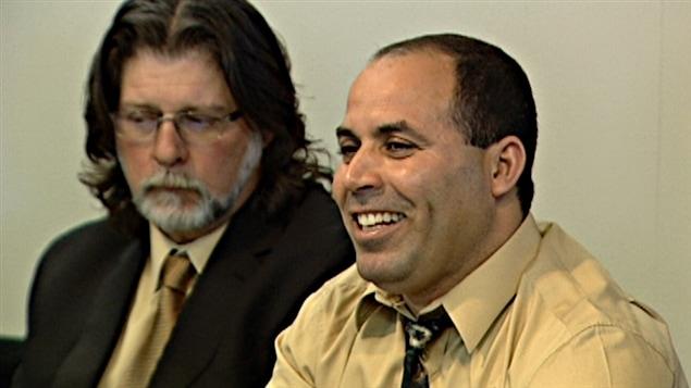 Mohamed Harkat après le jugement de la Cour fédérale d'appel.