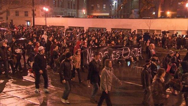 Nouvelle manifestation contre la hausse des droits de scolarité à Montréal le 26 avril 2012.