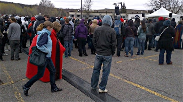 Les étudiants du Cégep de l'Outaouais se prononcent à nouveau pour reporter ou non la grève.