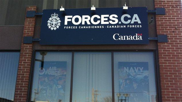 le bureau de recrutement des forces canadiennes rouyn noranda fermera ses portes selon le npd. Black Bedroom Furniture Sets. Home Design Ideas