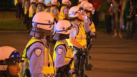 Les policiers étaient déployés en grand nombre pour cette 30e manifestation nocturne.