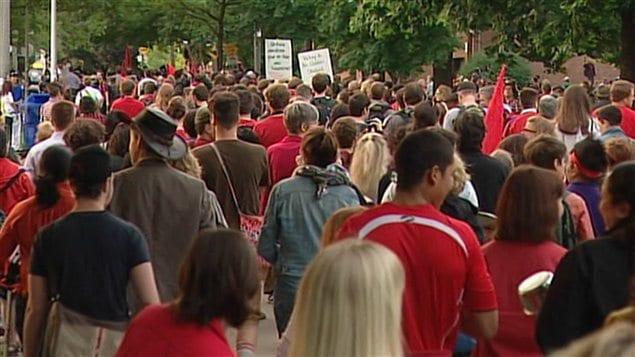 Manifestation à Toronto en appui aux étudiants québécois.