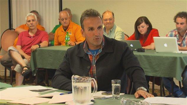 Le président du SEEEQ, Pierre Simard, témoigne à la Commission des relations du travail