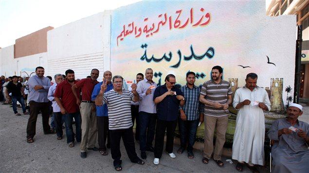 les libyens aux urnes pour un scrutin historique ici radio. Black Bedroom Furniture Sets. Home Design Ideas