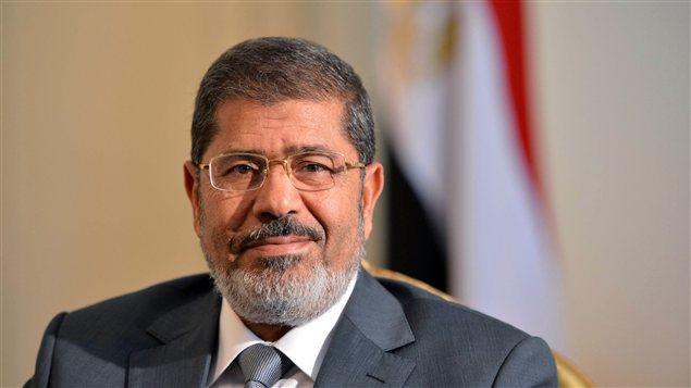 Le nouveau président égyptien Mohammed Morsi, photographié lors d'une rencontre avec le sous-secrétaire d'État américain, William Burns (qui ne figure pas sur la photo), le 8 juillet, au Caire