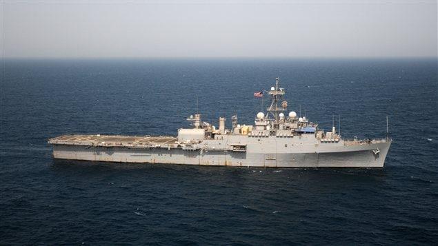 Navire de la marine américaine dans le golfe Persique le 14 juillet 2012
