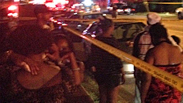 La police de Toronto sur les lieux d'une fusillade sur Danzig Street.