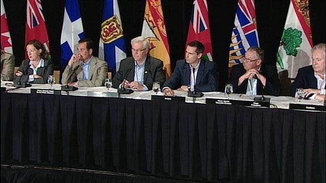 Les premiers ministres canadiens font le bilan du Conseil de la fédération à Halifax.