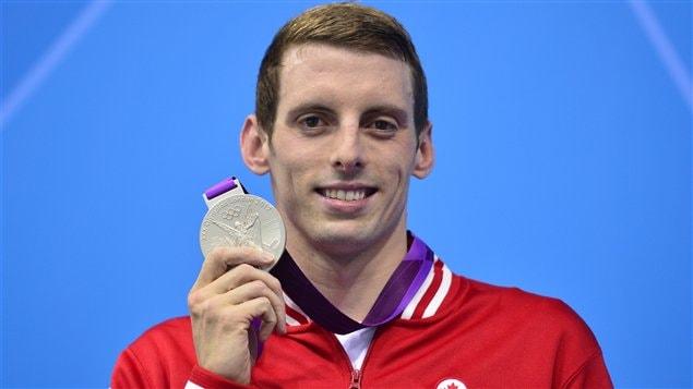 Le Canadien Ryan Cochrane et sa médaille d'argent