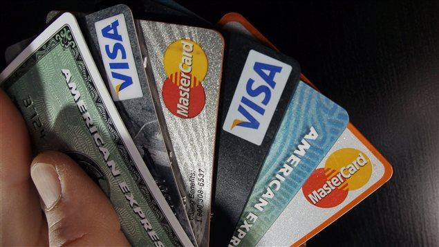 Un évantail de cartes de crédit.