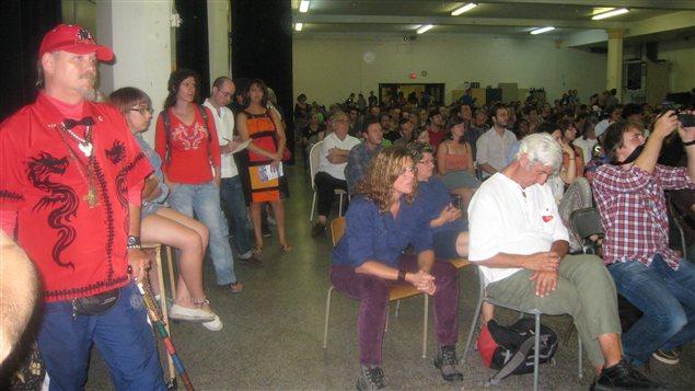 De nombreux citoyens ont pu poser des questions aux candidats.