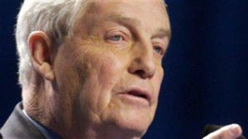 L'ancien premier ministre conservateur Peter Lougheed