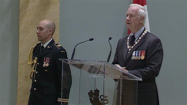 Le gouverneur général du Canada, David Johnston, a remis une distinction de l'Ordre du Canada à 43 personnes.