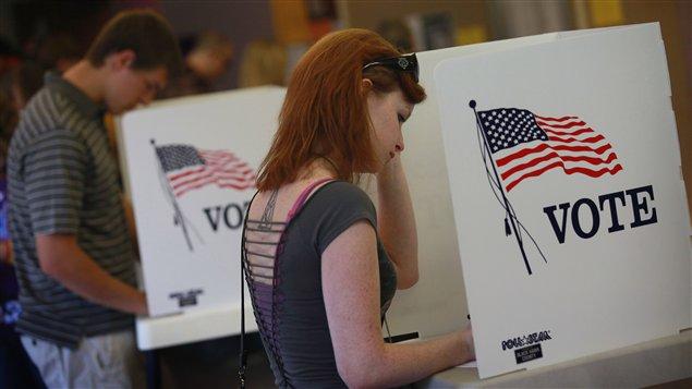 Des électeurs américains votent par anticipation en Iowa le 28 septembre 2012.