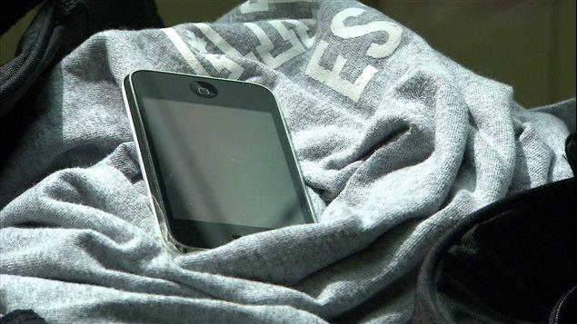 Au Canada, les téléphones volés peuvent être réactivés. Volés, réactivés, revolés, réactivés de nouveau… parfois chez le même fournisseur !